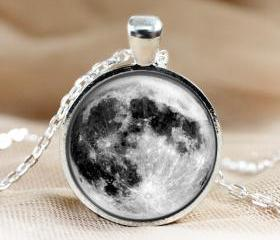 Full Moon Glass Pend..